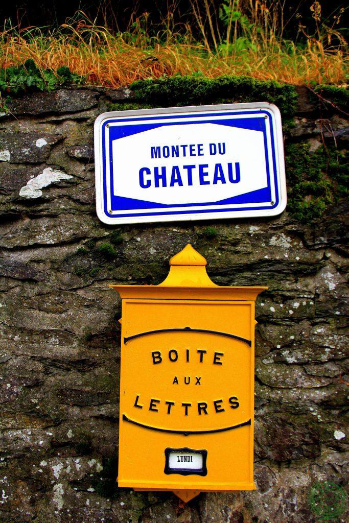 Montee du Chateau