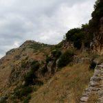 Come muoversi in Albania, tra strade dissestate e treni fantasma