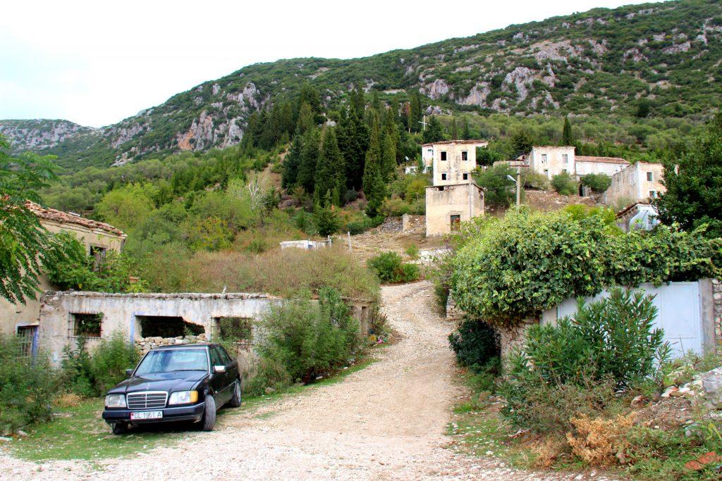 Strada albanese - Muoversi in Albania