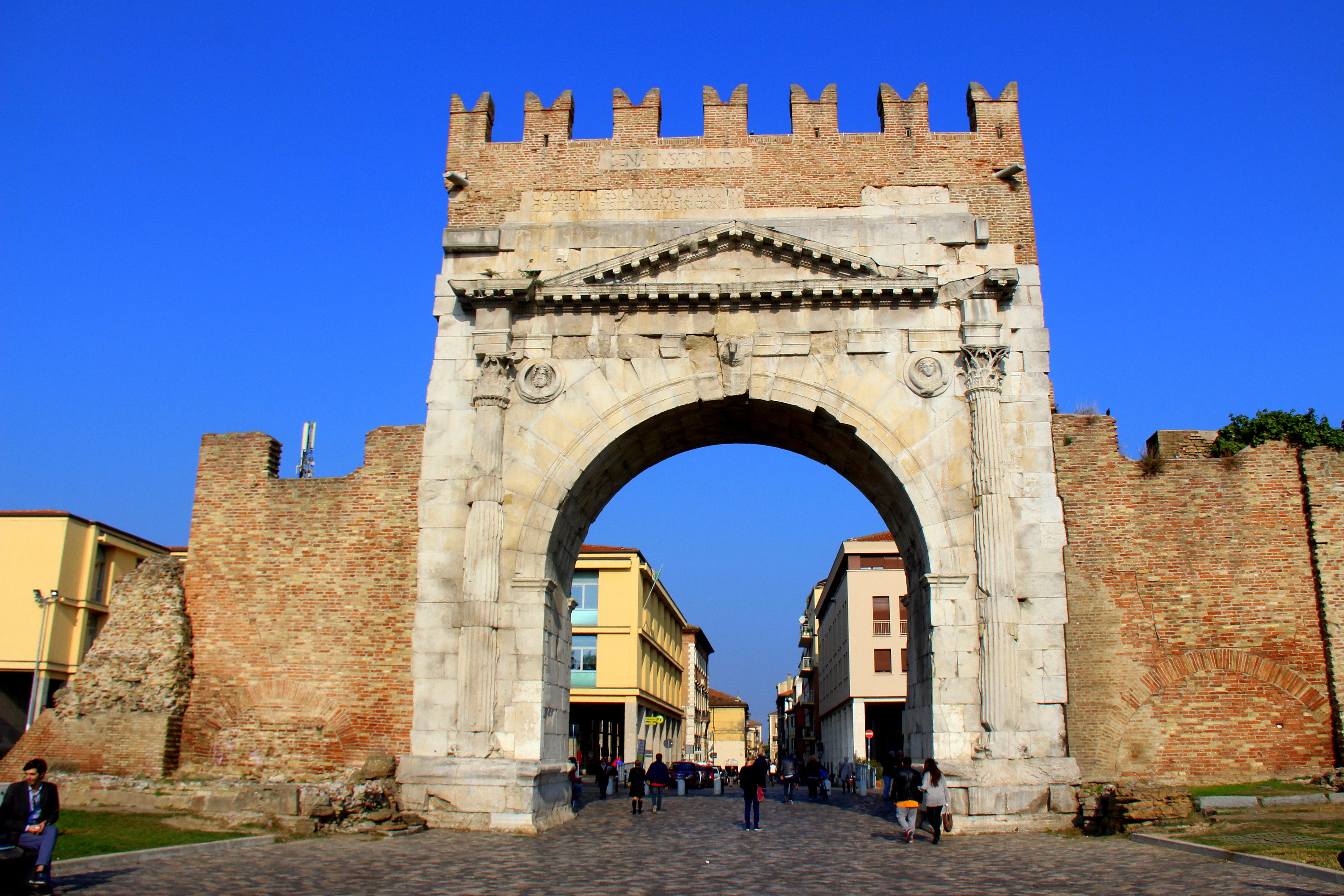 Arco di Augusto - Cosa vedere a RImini