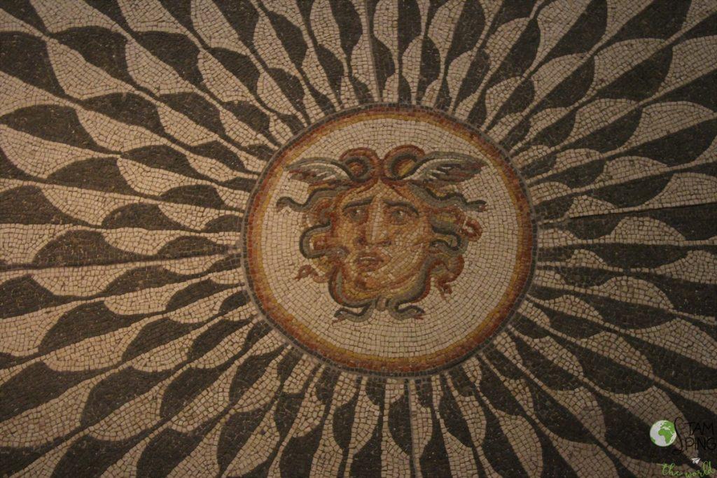Palazzo Massimo alle Terme - Museo Nazionale Romano - Mosaico con testa di Medusa